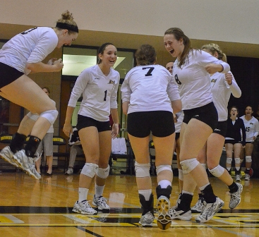 Volleyball Wins SCAC, Loses in First Round of NCAA Tournament